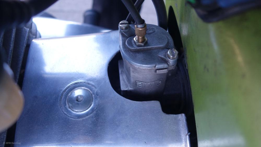 Die Teillastnadel des BING 84 Vergasers in der MZ ES 250/2 ist ohne Demontage leicht zugänglich
