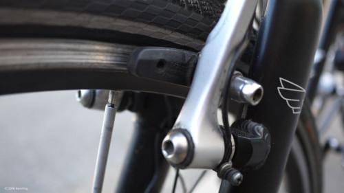 Im Winter zusätzliche Reflektoren am Fahrrad anbringen