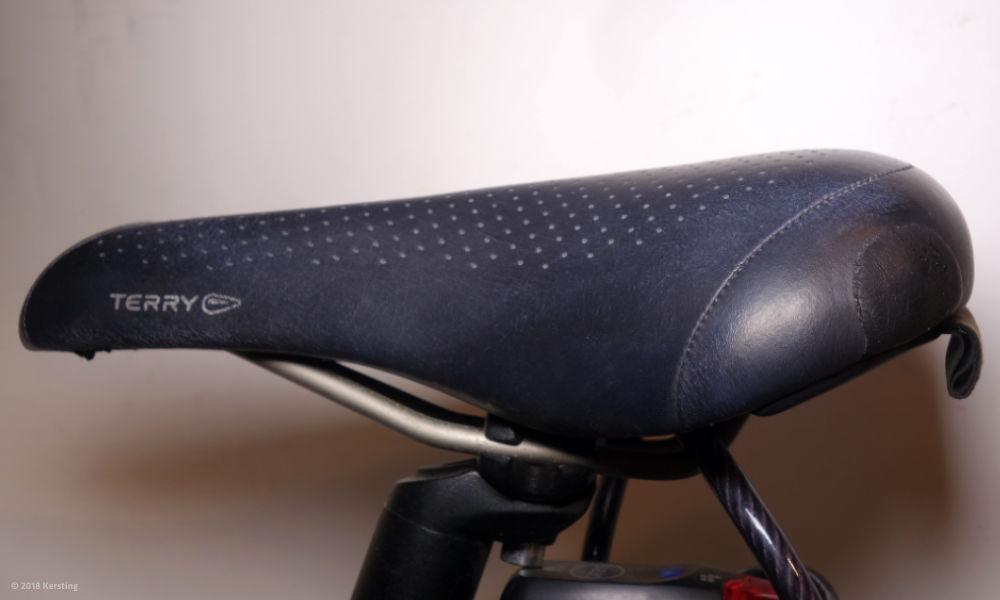 Der fertig reparierte Fahrradsattel