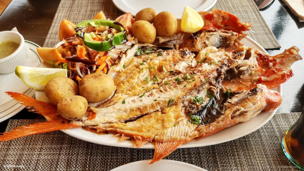 Fischgerichte gibt es im Restaurant in La Pared