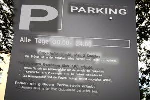 Google live Übersetzung von dänischem Parkschild