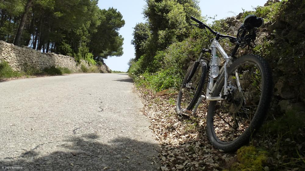 Menorca bike tour to Cala d'algaiarans