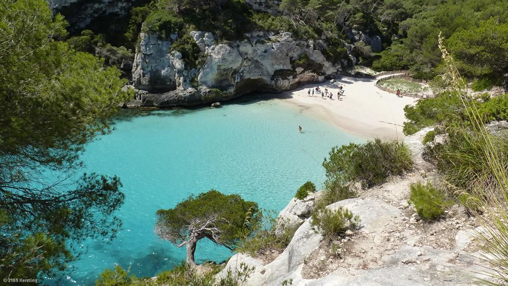 Radfahren auf Menorca führt oft zu zu Traumbuchten, wie in Cala Macarellata