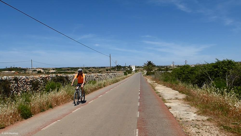 Fahrradweg auf dem Weg in Menorcas Norden