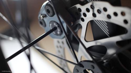 Scheibenbremse beim Rad einstellen