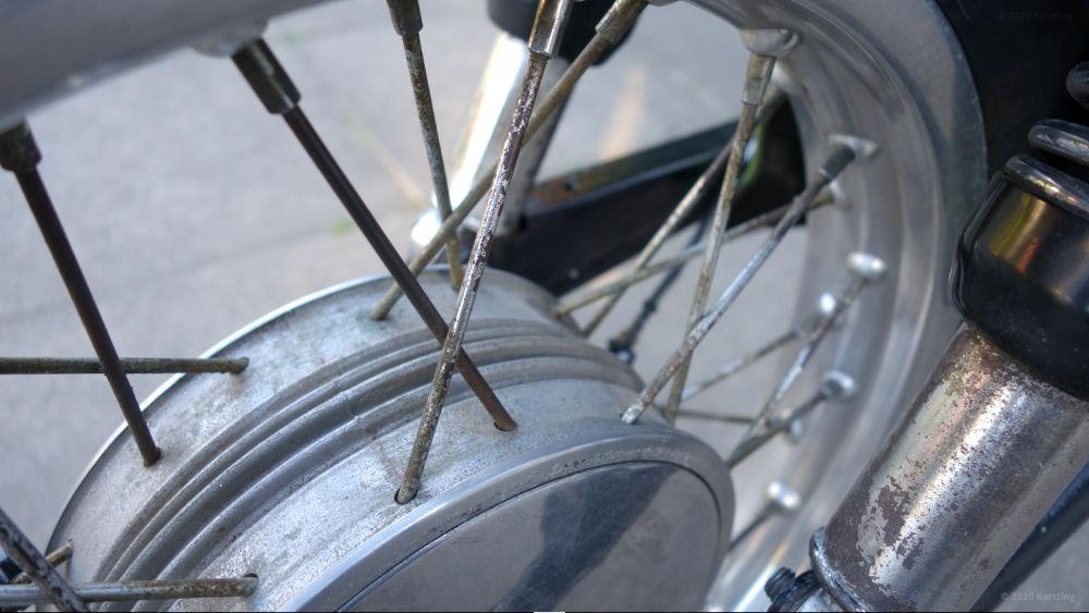 Speichen restaurieren an alten Zweirädern